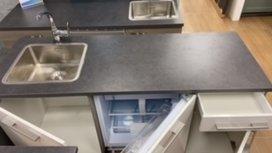 Showmodel keuken 160cm met inbouw koelkast per direct leverbaar