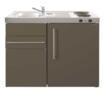 MK-90-Bruin-met-koelkast-en-een-la-RAI-9514